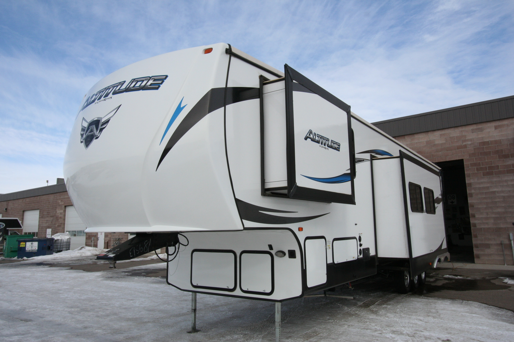 2015 CROSSROADS ALTITUDE 3712 TOY HAULER $47900