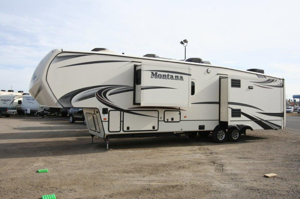 ***SOLD***2015 KEYSTONE MONTANA 3910FB FRONT BATH $59900
