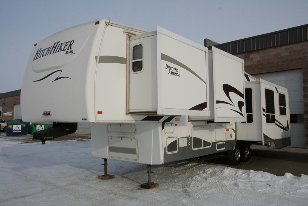 ***SOLD***2007 NUWA HITCH HIKER 339RSB 4 SEASON HIGH QUALITY COACH $19900
