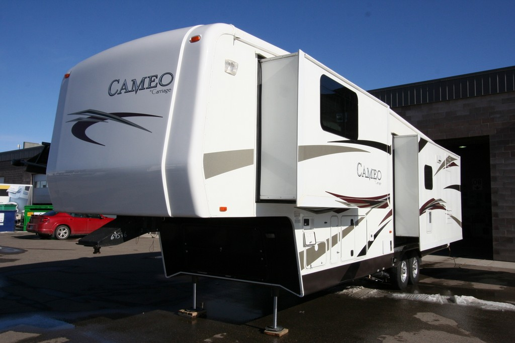 ***SOLD***2011 CARRIAGE CAMEO 35SB3 $37900