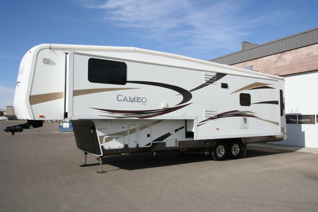 ***SOLD***2011 CARRIAGE CAMEO 36FWS FULL WALL SLIDE $39900