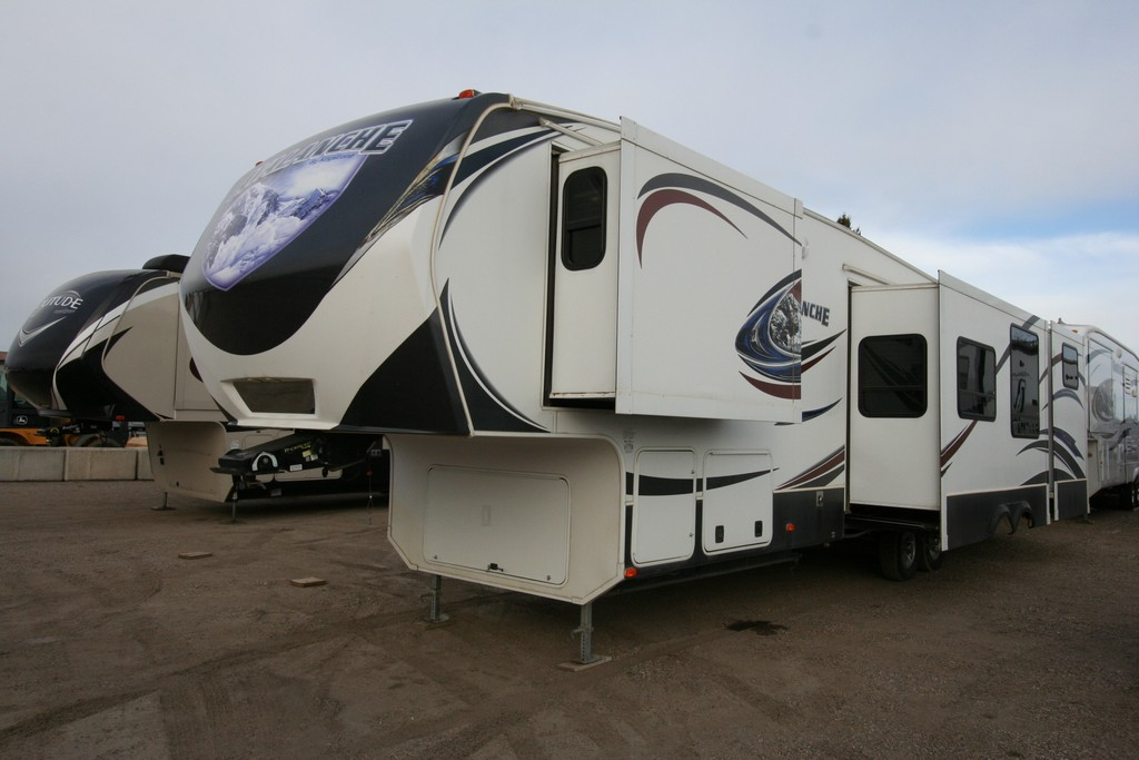 2014 KEYSTONE AVALANCHE 5 SLIDE LUXURY BUNKHOUSE $46900